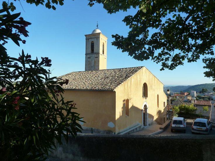 Gattières - L'église St Blaise et son clocher carré