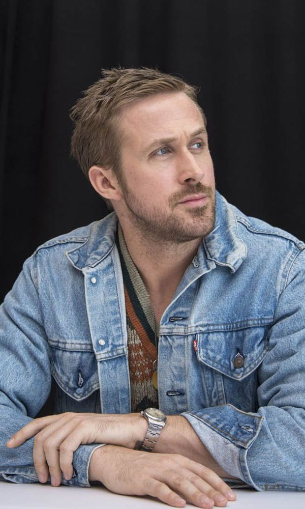 Ryan Gosling Is A Haircut Icon And For Good Reason With Movies Like Drive Crazy Stupid Love Gangster Sq Ryan Gosling Haircut Ryan Gosling Ryan Gosling Style