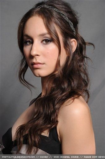 Pretty Little Liars Challenge Day 1 (Favorite Female Character)- Spencer Hastings