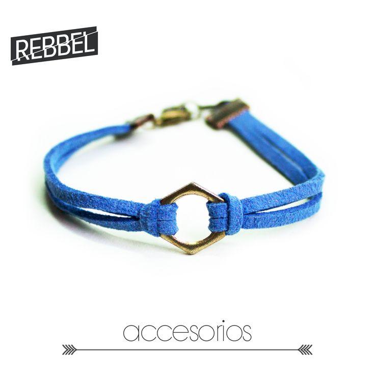 Pulsera Azul, 16 cm de largo -Ref 2012- www.rebbel.co #rebbel #new #accesorio #blue #smile #pretty