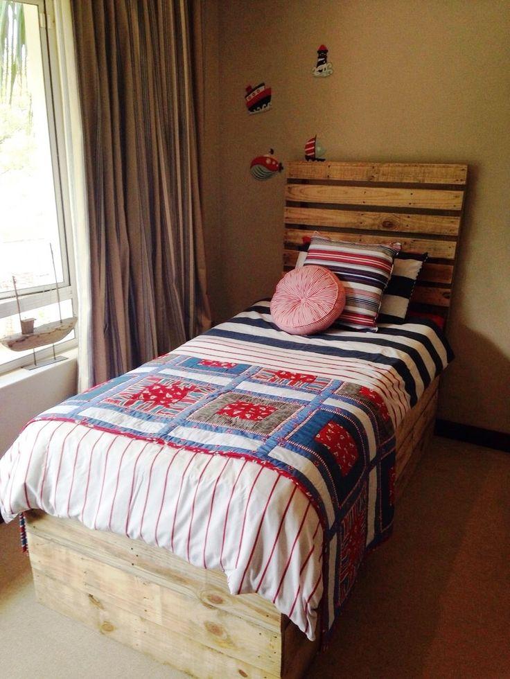 Best Pallet Toddler Bed Ideas On Pinterest Kids Pallet Bed