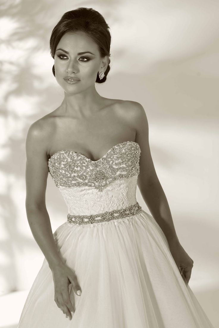 Evas Bridal International www.evasonlagrange.com
