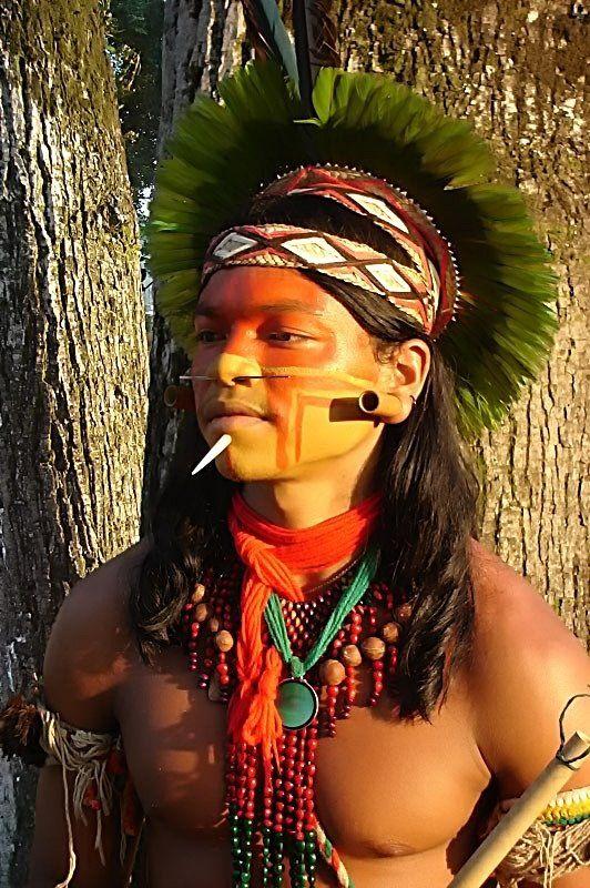 Pin de Zsuzsanna Bátki em indios do brasil | Pessoas no ...