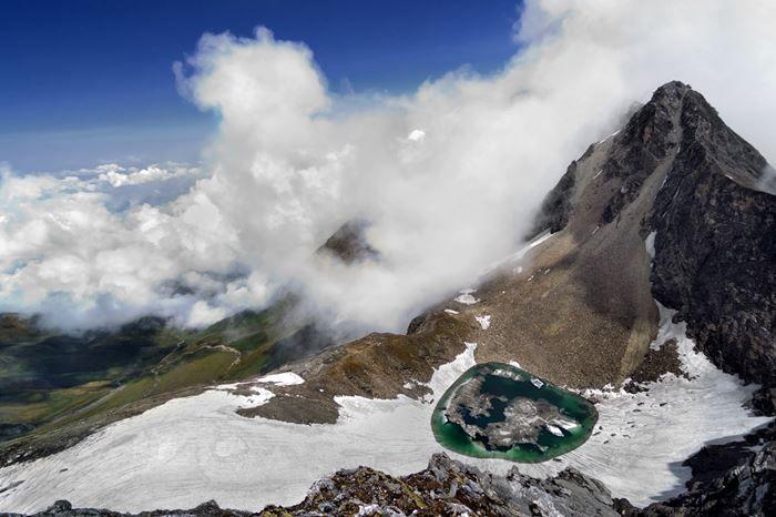 Roopkund Trek, Himalayas
