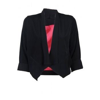 Een zwart gekleurde blazer jasje.  www.2dayslook.com