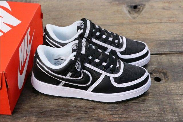 cascada hogar Factor malo  Nike Wms Vandal Low supreme Lt Black White 520018-012 Unisex Skateboarding  Shoes | Nike air max 360, Winter running shoes, Running shoes for men