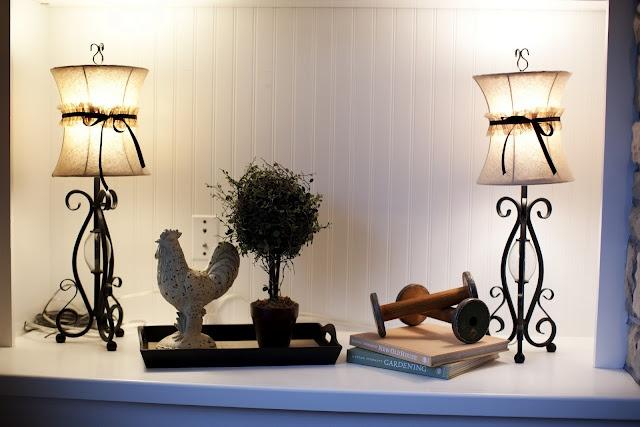 Soft Lighting In A Bookshelf Interior Interior Design Decor