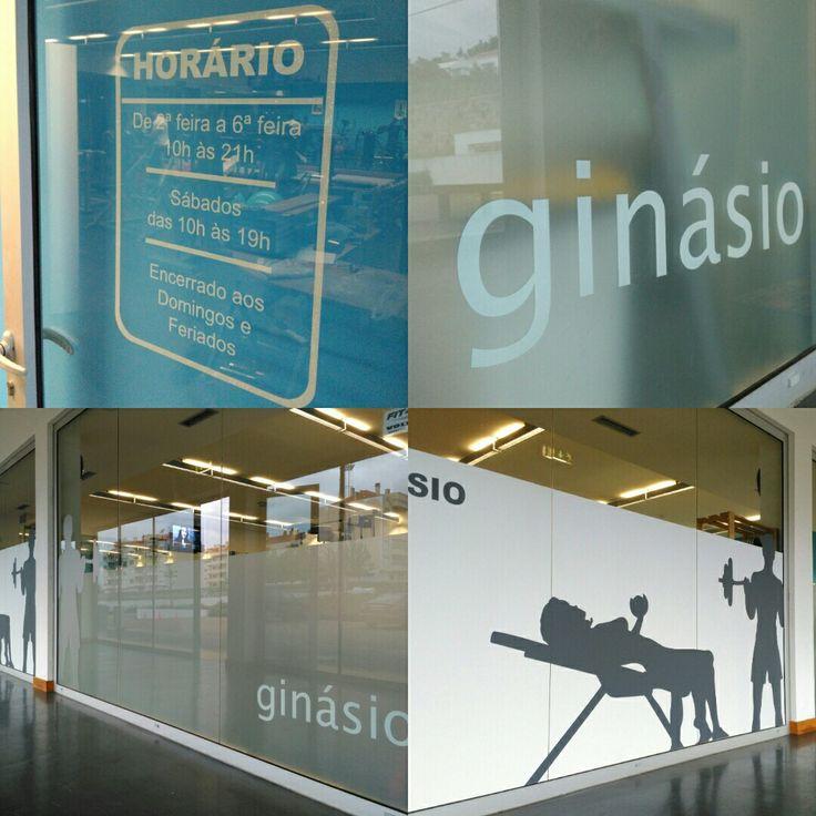 Decoração de montra interior em vinil. #grupogeracaopub #vinil #decor #gym