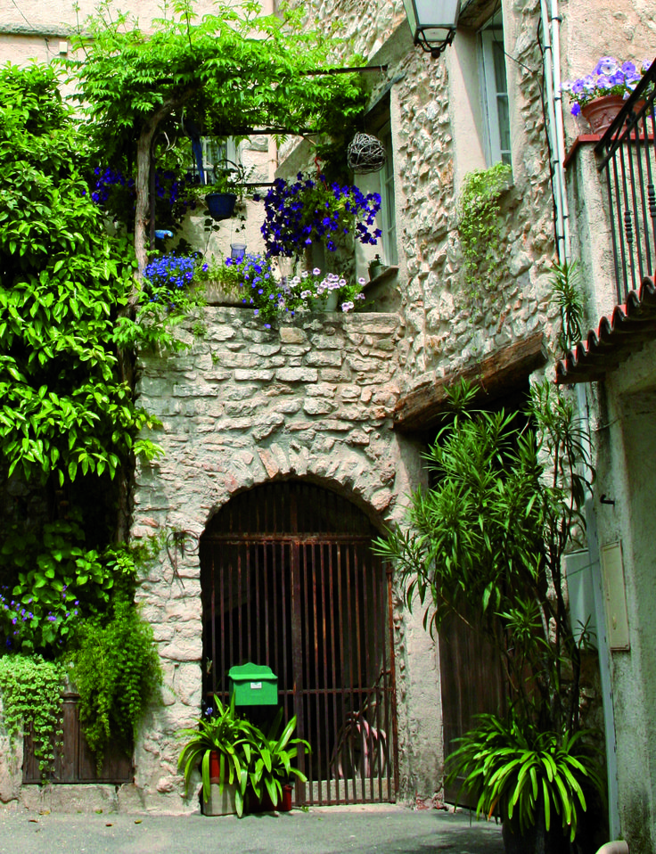 Façades provençales, cœur de village #lacolle