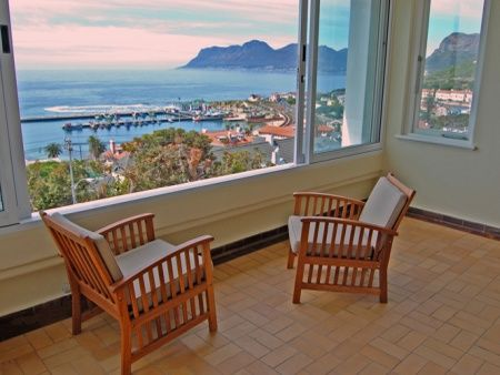 Self Catering Accommodation, Kalk Bay, Cape Town   An evening chit chat in front of spectacular sunsets from the lounge are always a must!