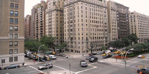 Upper Fifth Avenue, New York menjadi tempat destinasi belanja termahal di Dunia