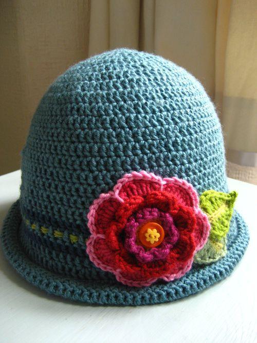 Un altro cappello, questa volta più femminile!!!