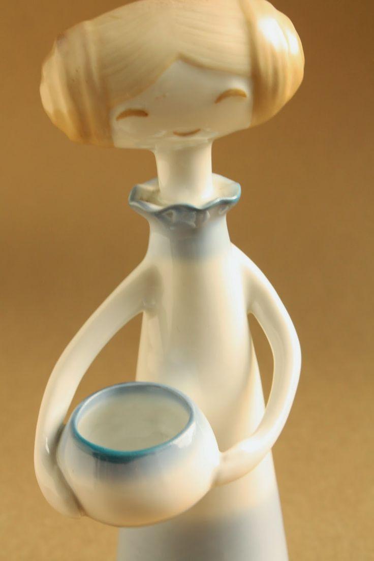 Retro porcelain: Girl with bowl - Aquincum porcelán