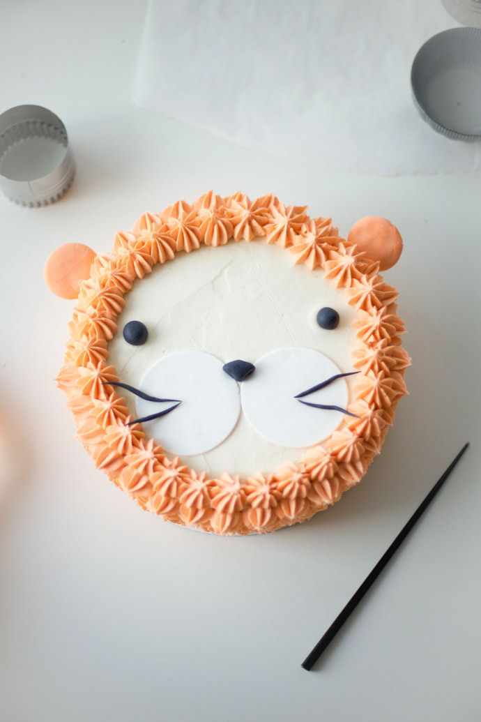 """I Am, Lion Hear Me Roar!"" DIY Lion Cake by Coco Cake Land"
