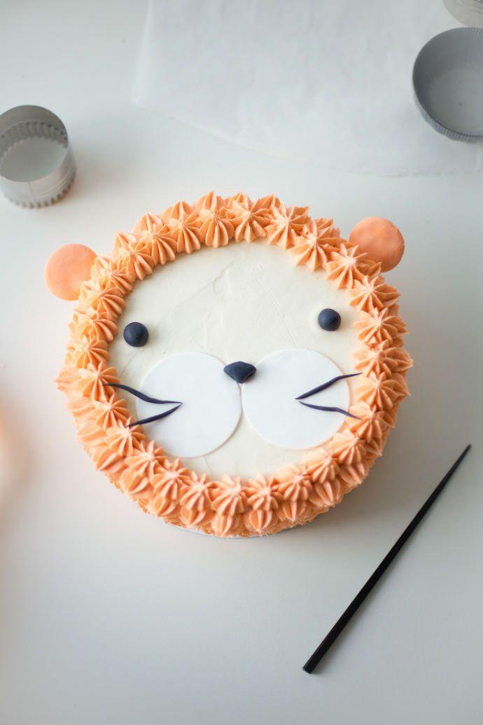 """I Am, Lion Hear Me Roar!"" DIY Lion Cake by Coco Cake Land"