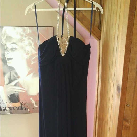 Cache dark blue  prom dress. Cache dark blue prom dress. In good condition. Has some pilling on left breast area. Very flattering fit. Cache Dresses Prom