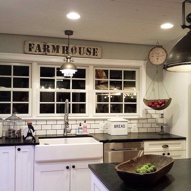 Best 25 vintage farmhouse ideas on pinterest vintage for Farm style kitchen decor