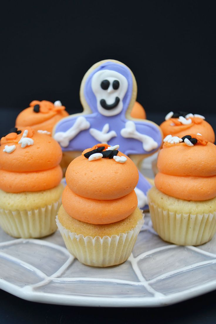 Halloween Party mini cupcakes by Bake Sale Toronto