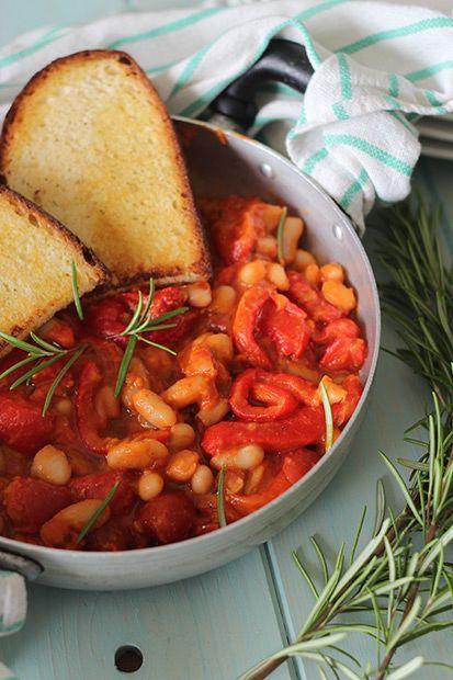#Fagioli cannellini e #peperoni piccanti    #Cirio, gusta la nostra #ricetta. #beans #pepperoni #recipe #contorno #vegetable #veggie