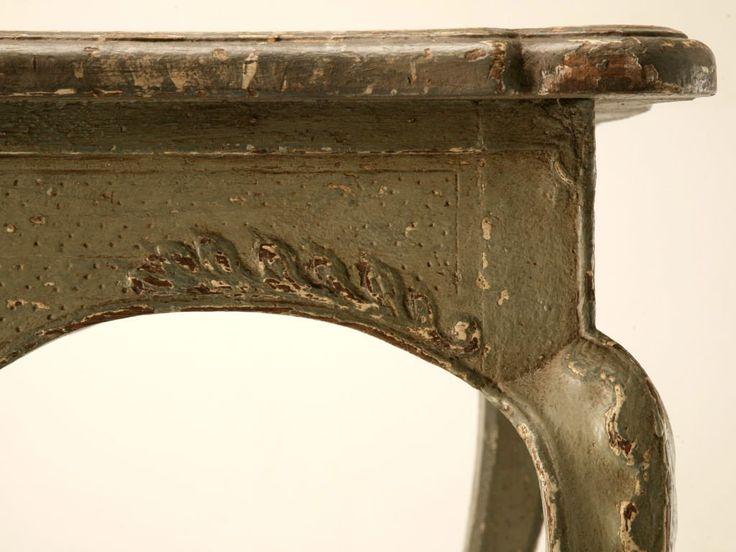 szalonasztal, Öreg barokk bútor