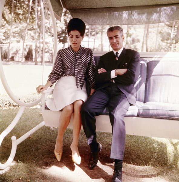 Farah and the shah early 1960s http www for Shah bano farah pahlavi