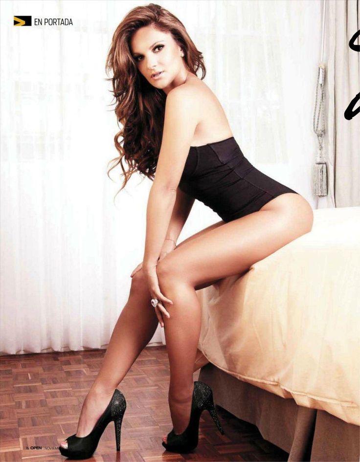 Mariana Seoane Nude Photos 1
