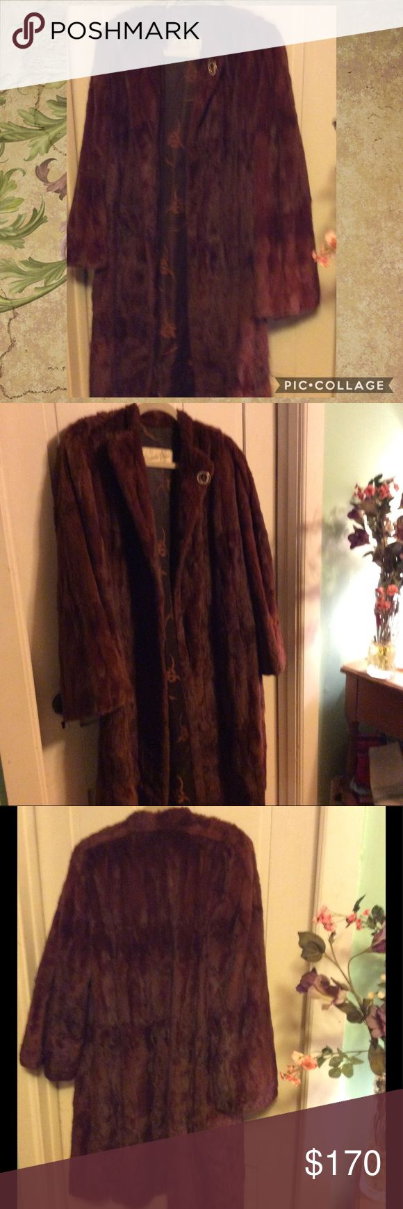 💕🎀GORGEOUS MINK COAT OUTSTANDING VINTAGE  MINK COAT IN AN EYE CATCHING RED COPPER COLOR.  THE COAT IS IN VERY GOOD CONDITION BOTH INSIDE AND OUT. FUR IS CLEAN PLUSH & SO SOFT.  LINING IS ALSO IN GREAT SHAPE!  WILL FIT SIZES L/XL. RECENT PRICE DROP. Jackets & Coats