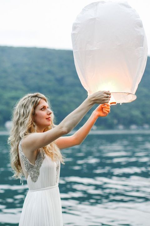 Getting married on a lake shore is very romantic, it's a perfect location for spring, summer and fall weddings. Lake shores are full of that romance ...