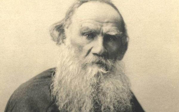 """""""İnsana akıl, onu huzursuz eden şeylerden kurtulması için verilmiştir.""""        Anna Karenina / Tolstoy"""