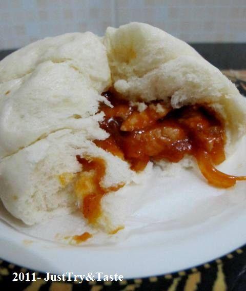 Just Try & Taste: Obsesi Roti 9: Roti Kukus Isi Ayam Pedas & Bawang Bombay