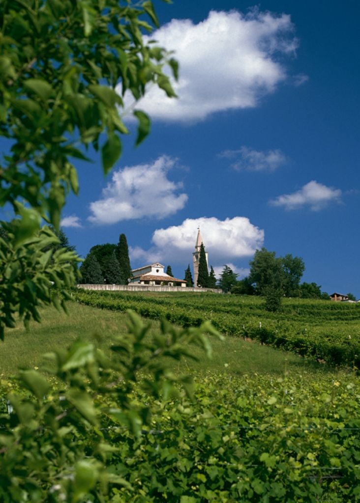 San Pietro di Feletto: La Pieve, foto di Francesco Galifi   La strada del prosecco: itinerario enogastronomico in Veneto su Trivago