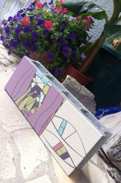 Entrez dans l'univers de ManonLisa et de son Mobilier d'Art en Mosaïque. Découvrez un traitement contemporain de la mosaïque à travers du mobilier, table, salle de bain, cuisine, mobilier de jardin, stèle, hammam et plus encore...