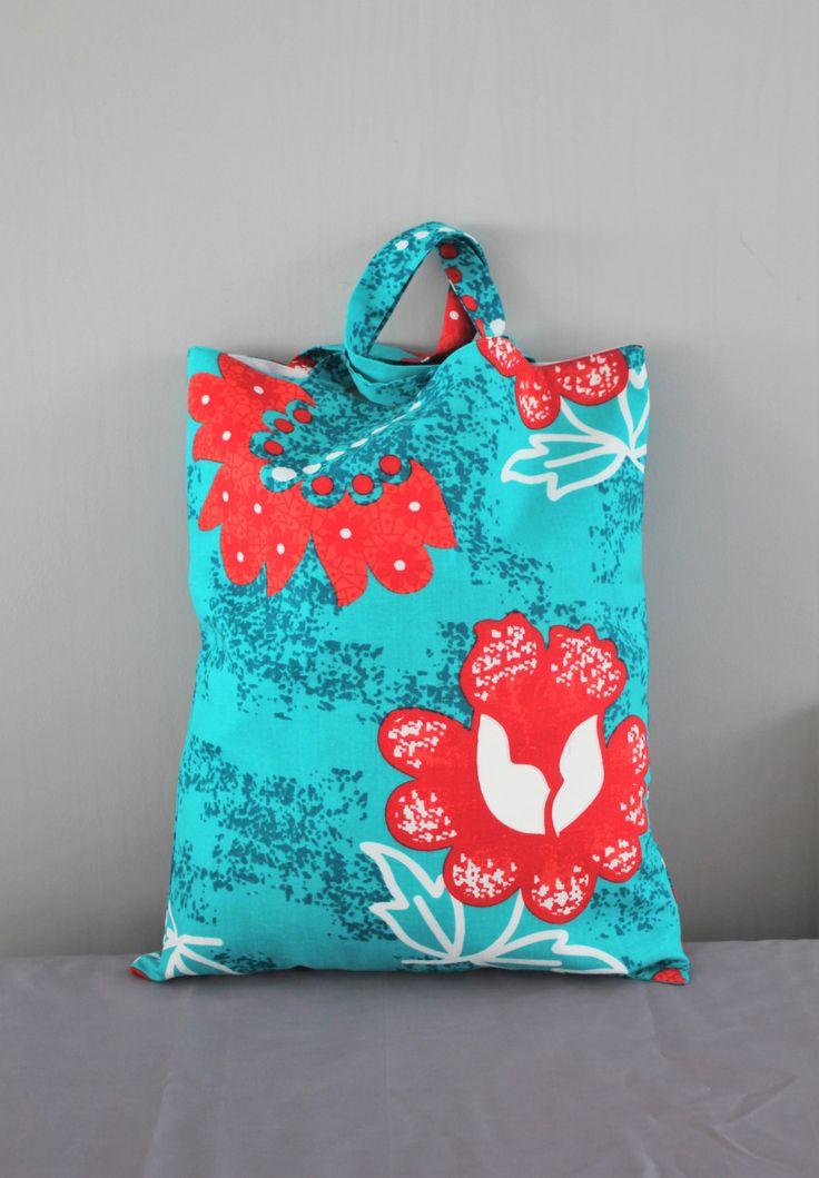 tote bag tissu pagne africain sac wax sac t sac plage sac course motifs fleurs motifs. Black Bedroom Furniture Sets. Home Design Ideas