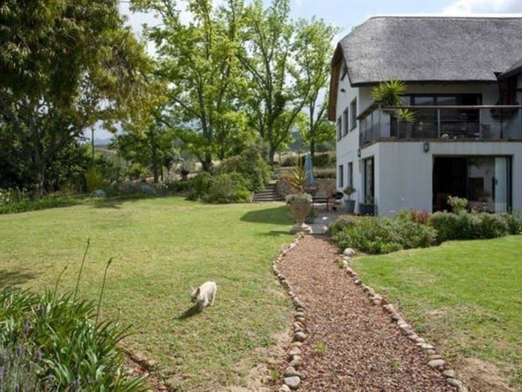 Westridge - We have two lovely apartments to choose from, both situated on a small wine farm just a stone's throw from the centre of town.We have Wi-Fi available for our guests, and there is free parking on the premises.You ... #weekendgetaways #stellenbosch #winelands #southafrica