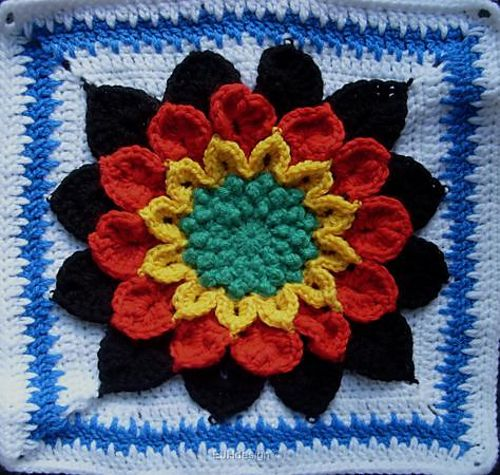The Crocodile Flower Square Pattern crochet granny ...