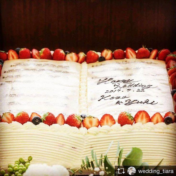 . テーマはmusic . . Repost from @wedding_tiara  #tiarawedding1995 #pin #music#cake#wedding#weddingcake#okayama#岡山花嫁#ウェディングケーキ#ウェディングケーキアイデア#テーマウェディング#テーマは音楽#音楽#nomisicnolife ##love#instagood#ウェディングアイデア#2018春婚 #2018秋婚 #楽譜ケーキ###ケーキ入刀#ファーストバイト