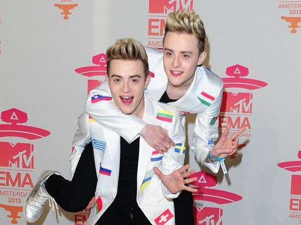 Are Jedward going to be next to the CBB house?