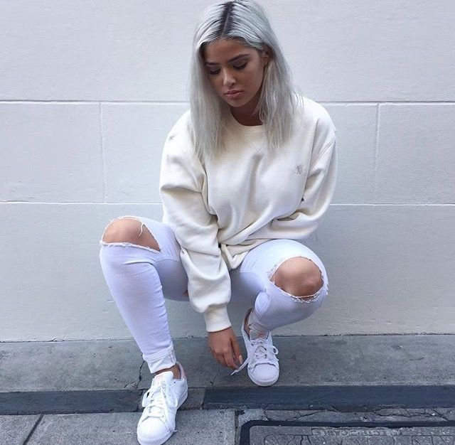 White Outfits, All White Outfit, Jean Outfits, Urban Style, Fall Winter  Outfits, Winter Fashion, Shape, Calming, Fashion Shoes