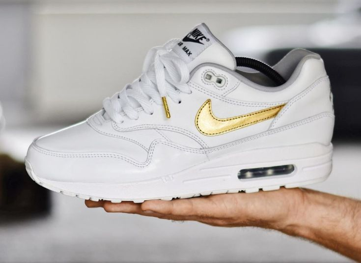 A quoi ressemble la Nike Air Max 1 ID By You 'White Metallic Gold ...