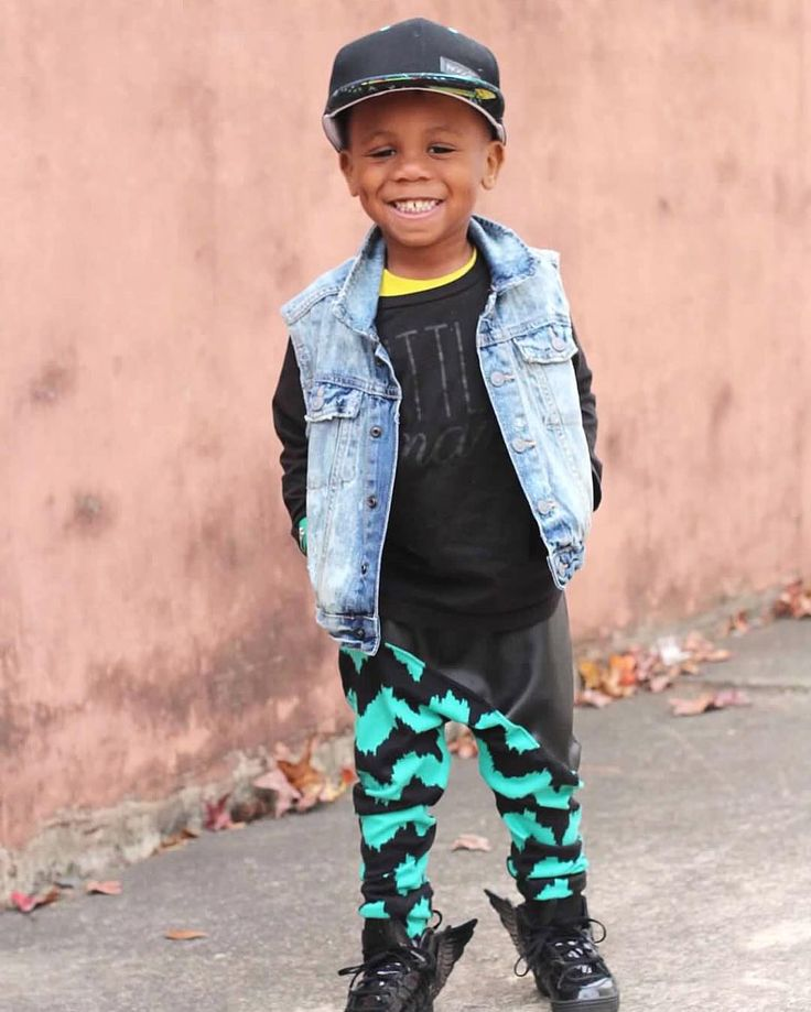 Don't miss out Christmas shipping closes tomorrow! | The Toucan | Jet Black | $30 Snapbacks | Free Domestic & Global Shipping Available #popnoggins #trulytropical #snapback #snapbacks #swag #fashion #cap #hat #headwear #dope #streetwear #babyhats #babyswag #babyfashion #babygift #instababy #instakids #toddlerswag #toddlerlife #toddlerfashion #kidsfashion #fashionkids #kids #kidsstyle #kidswear #kidsclothes #kidswag #stylish_cubs #kidsootd #ootd