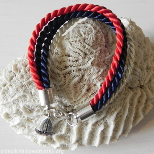 Kolejne propozycje od twórców Republiki Marzeń: #bransoletka #Korsyka #handmade