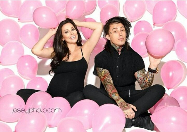 Love this picture of Ronnie Radke and his babys mother