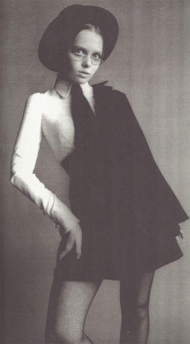missdandy: Prudence Farrow modeling for Biba.