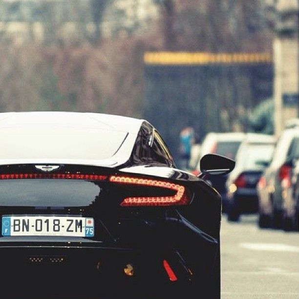 Gorgeous Aston Martin DBS!