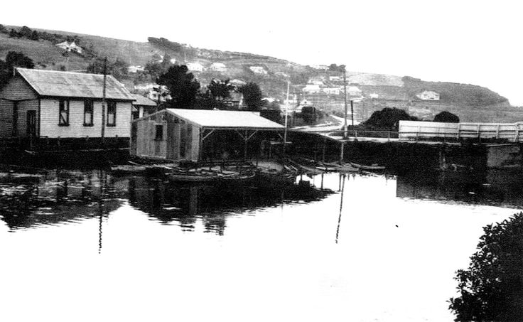 """The Brighton Bridge about 1898. The boatsheds are now there, as is the church that was to become the shop. """"Prospect Gap"""" has been blasted through at Big Rock and there are many houses and cribs."""