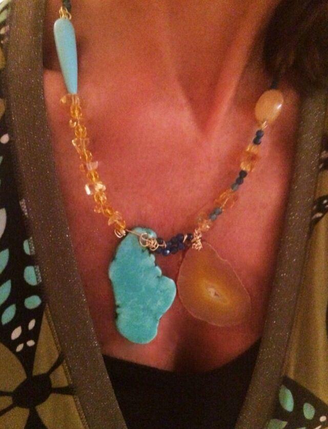 """""""Limonada en el cielo"""" collar en citrino o cuarzo amarillo, jade teñido y turquesa.                                                       http://bysandracriado.wordpress.com"""
