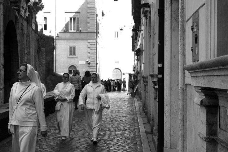 #Nuns wander the streets of #Trastevere.