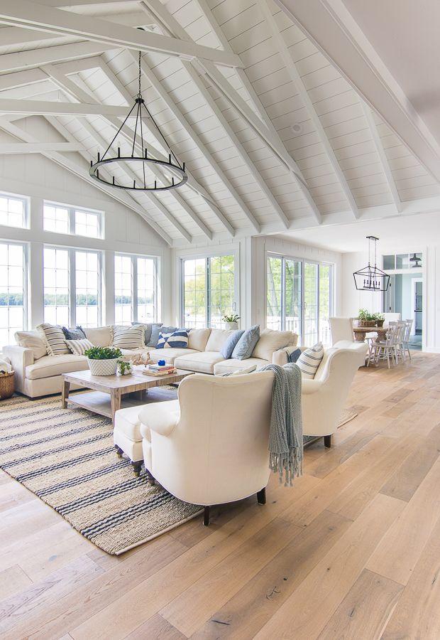 See-Haus-blauer und weißer Wohnzimmer-Dekor