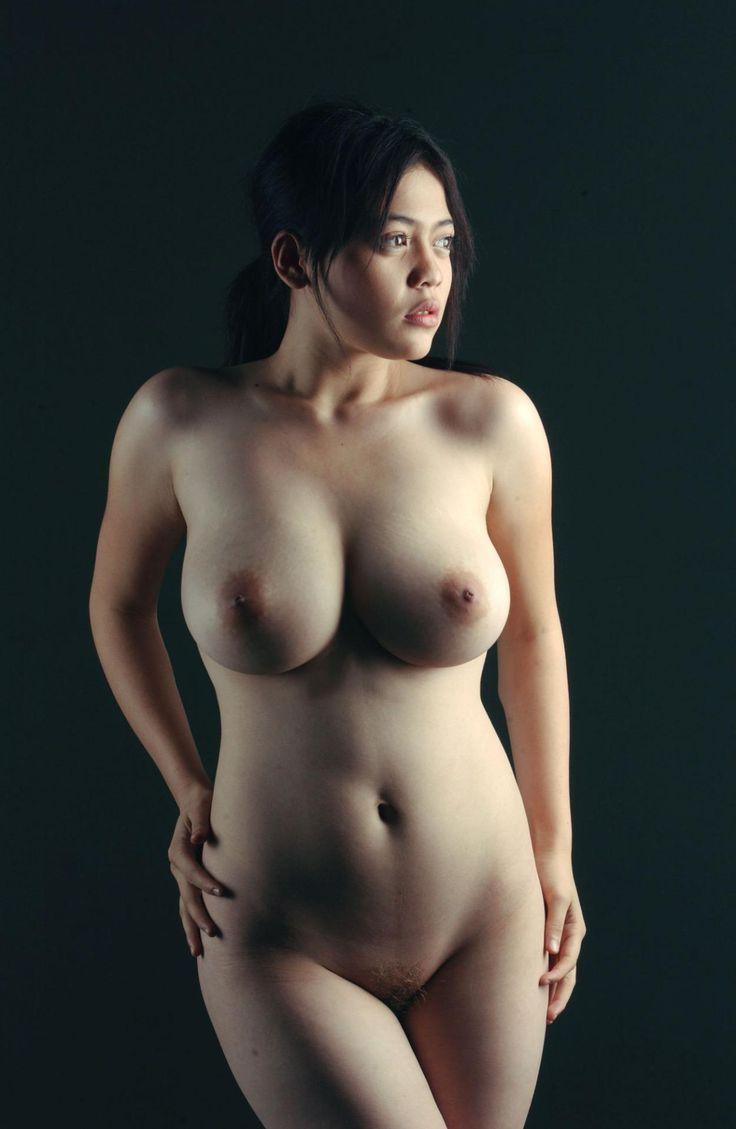 plus size nude body