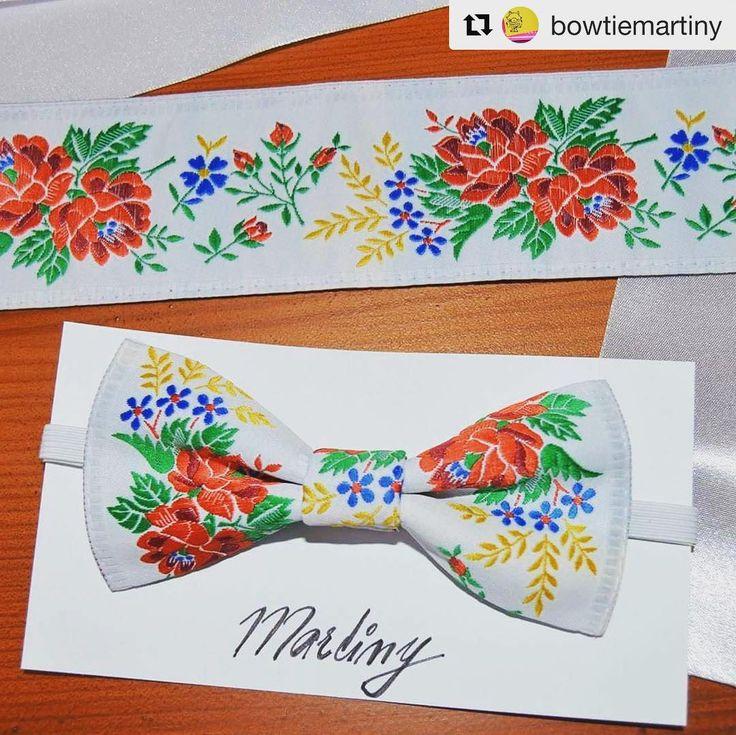 Setík na parádu  #praveslovenske od @bowtiemartiny ...... #folkdesign #folklore #traditional #traditions #design #fashion #folk #folklor #folkart #bowtie #ornaments #slovakia #slovensko